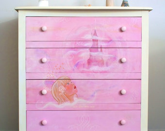 Castle in the Clouds - Bedroom Chest Of Drawers