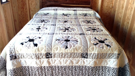 Amish Mennonite Quilt Dresden Plate Black Amp White California