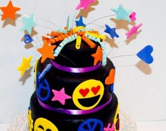 New 100% edible emoji cupcake cake topper 12 pz assorted faces fondant gumpaste