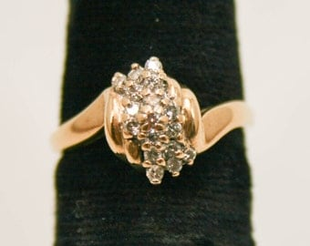 Diamond cluster ring in yellow gold size 7
