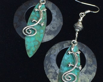 Lizard earrings, southwestern, hammered metal, vintage patina, wire wrapped silver, nature jewelry