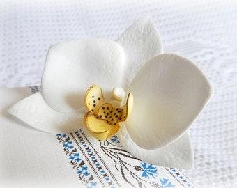 Wedding hair pin Bridal orchid hair clip Tropical white flowers Phalaenopsis Real touch flower White hawaii flowers Beach wedding