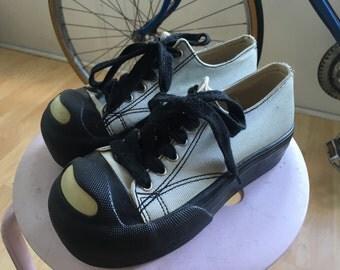 Vintage sz 5 rocket dog platform black and blue shoes