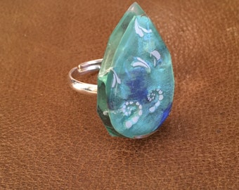 Sea green resin ring
