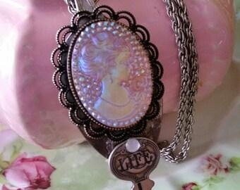 Romantic Cameo Necklace