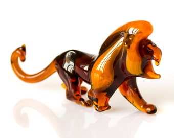 Blown Glass Lion Miniature Figurine. Collectible Realistic Animal Glass Statuette, Leo zodiac sign, Wild Animal Glass Lev Sculpture