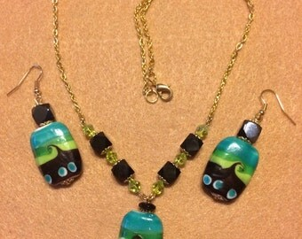 The Summer time Wave earring and necklace set