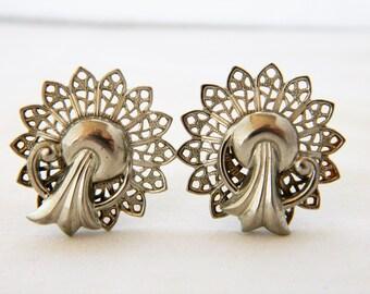 Vintage 50s Filigree Earrings, Art Deco Style Earrings, Clip On Earrings, Filigree Earrings, Mid Century, Costume Jewelry, Silver Tone