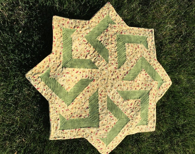 Spinning Star, Quilt, table topper,center piece, wall art