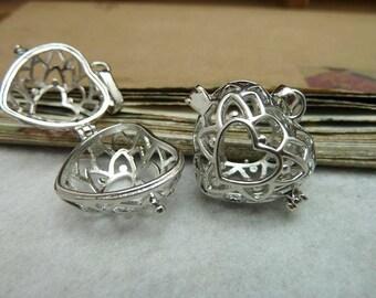 2 Heart Filigree Lucky Magic Box Silver Locket Charm Pendants (YT8128)