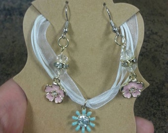 Spring Earring n Necklace Set