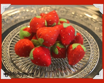 Pretend Play Felt Strawberries, packet of 15