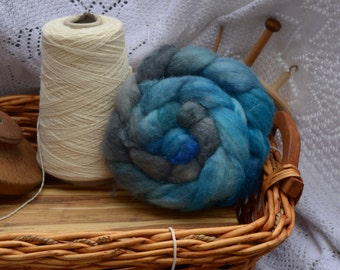 100g hand-dyed BFL and trilobal nylon fibre for spinning or felting - Jean Genie