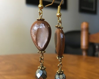 Freshwater Plum Pearl and Bead Earrings