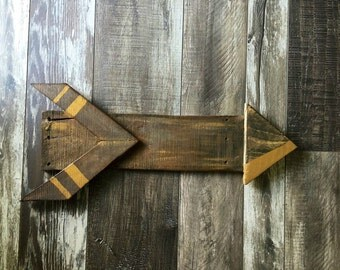 Reclaimed barnwood arrow