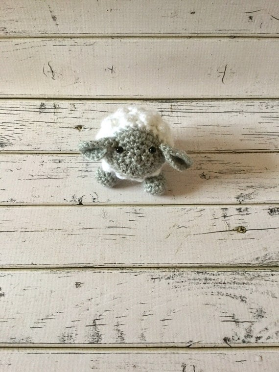 how to add yarn eyes to stuffed lamb