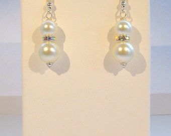 White Pearl Bridesmaid Earrings, Bridal Jewelry, Wedding Earrings