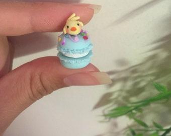 Mint chick macaron