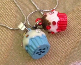 metal necklace with resin and strass cupcake pendant