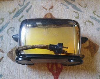 Vintage 1940s Bakeswell Chrome and Bakelite Toaster
