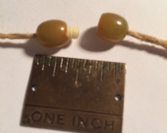 Vintage Bakelite Yellowish Screw Clasp