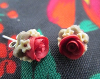 Polymer clay red rose stud earrings handmade vintage 80s.