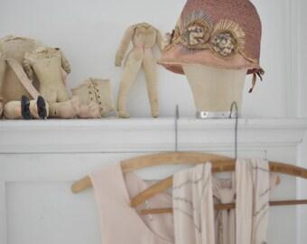 Stunning vintage cloche hat