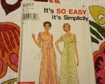 1997 SIMPLICITY#8997 SIZE 8 - 18UNCUT