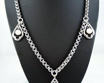 Stainless steel necklace with chandelier pendants