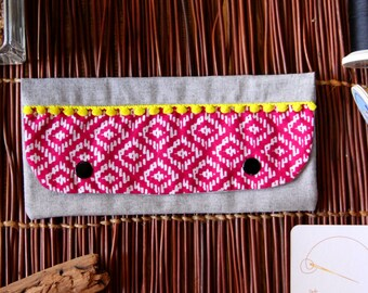 Small pocket flap ethnic / geometric artwork, Fuchsia neon yellow