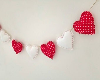 Hand Made Shabby Chic 7 Heart fabric Garland Bunting Red & White Dotty Spot