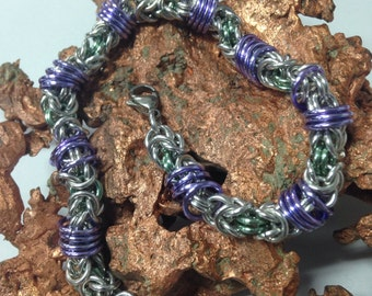 Chainmaille byzantine suspended bracelet
