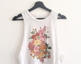 Low-cut Sleeve Floral Top!
