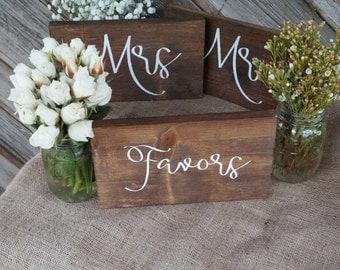 Favors wedding sign. Wedding favor table sign. Wedding prop. Wedding sign. Wood sign. Favors wood sign. Wedding decor.