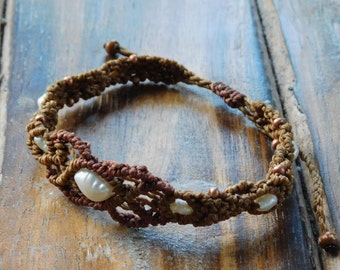 Macrame bracelet with freshwater pearls, boho, hippie bracelet