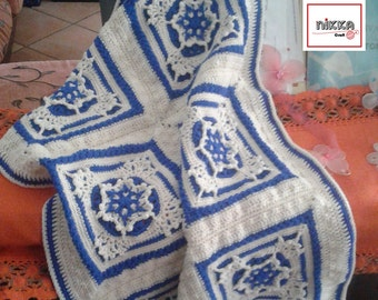 Crochet baby blanket with cobalt blue SNOWFLAKES - 100% wool - Ready to ship