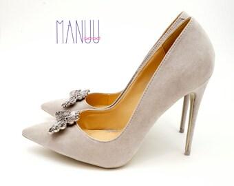 Silver butterflies - Shoe clips Manuu, Shoe jewelry, Wedding  shoe clips, Bridal shoe clips