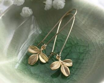Description: gold dangle earrings, gold leaf earrings, gold drop earrings, drop earrings, gold earrings