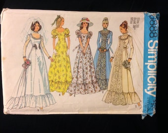 """1975 Does Victorian Bridal Gown - Bust 38"""""""