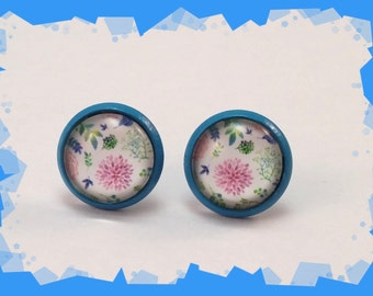 Feminine floral motif cabochon earrings