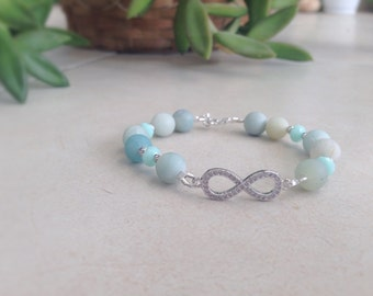 Bracelet with natural amazonite and silver elements.