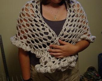 fishnet  triangle ruffled edge yarn shawl