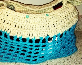 Crocheted pet carrier