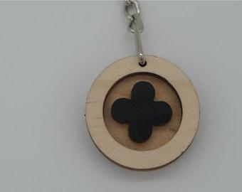 lucky clover black key chain(round)