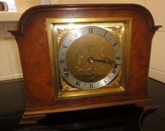 1930 mantle clock working with wind key made in scotland