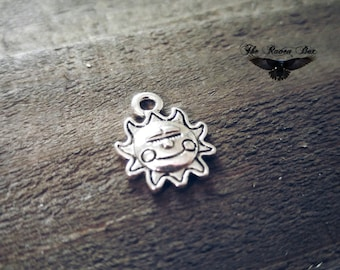 """Made with a Smile Charm Sun Charm Jewelry Tag Antiqued Silver Sunshine Charm Quote Charm Message Charm Charms by the Piece 16mm .62"""""""