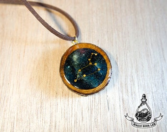 constellation necklace (Leo)