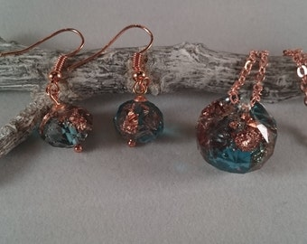 Resin - jewelry set: Earrings + Necklace + pendant made of Turquoise resin (50)