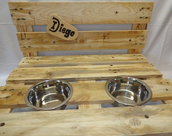 Food & drink station for dogs