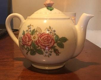 Hallmark Teapot, White/Pink Roses